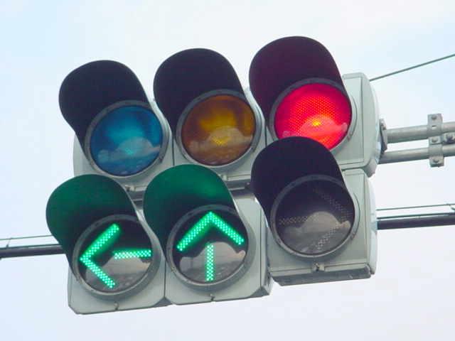 「信号機 右左折表示」の画像検索結果