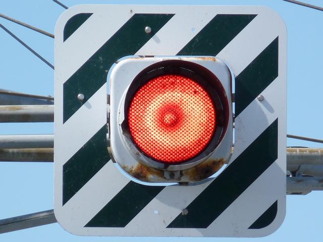 点滅信号がある交差点での注意義務(走行のルー …