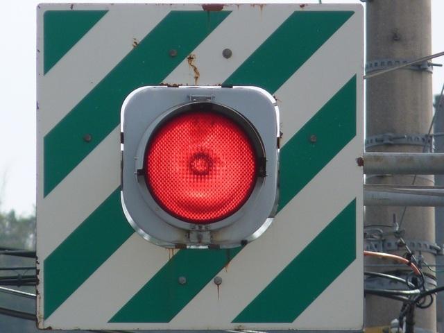 交差点での右折車と直進車の衝突事故の過失割合